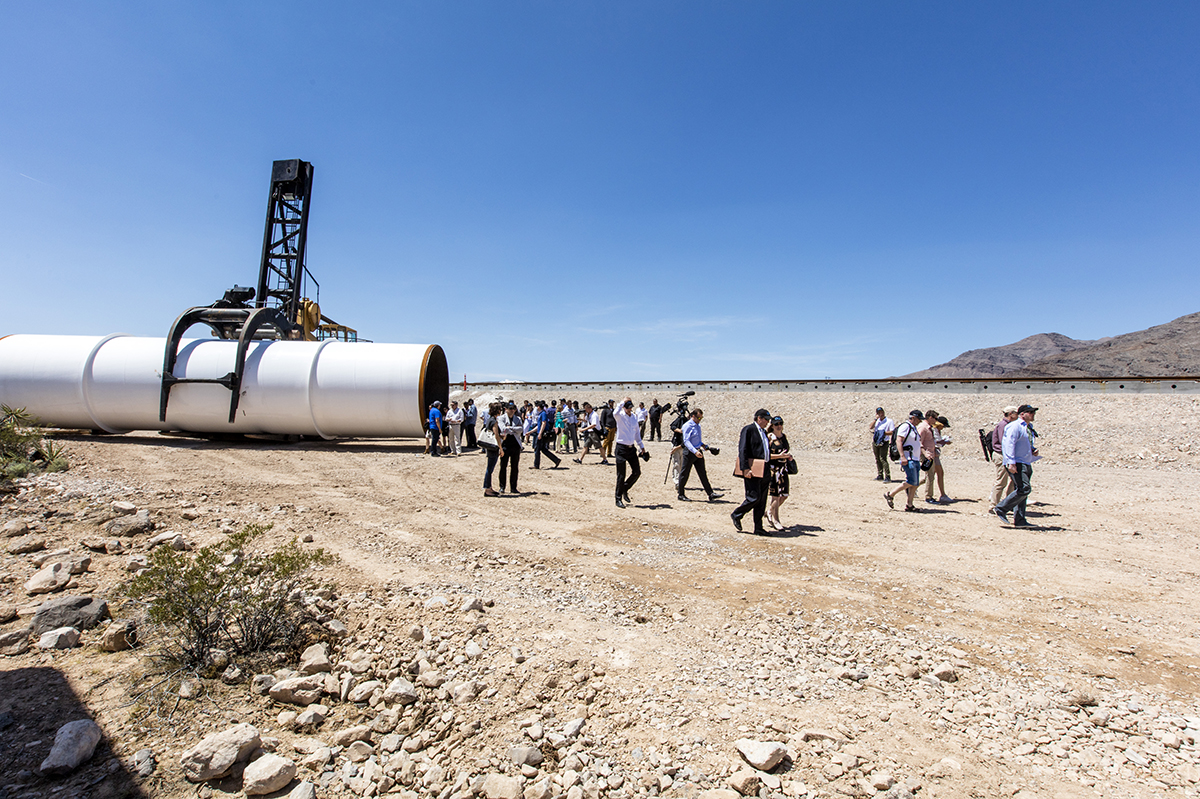 "<b><a href=""https://www.technologyreview.com/s/601417/the-unbelievable-reality-of-the-impossible-hyperloop/"">The Unbelievable Reality of the Impossible Hyperloop</a></b> <br> Photograph by Jeff Minton"