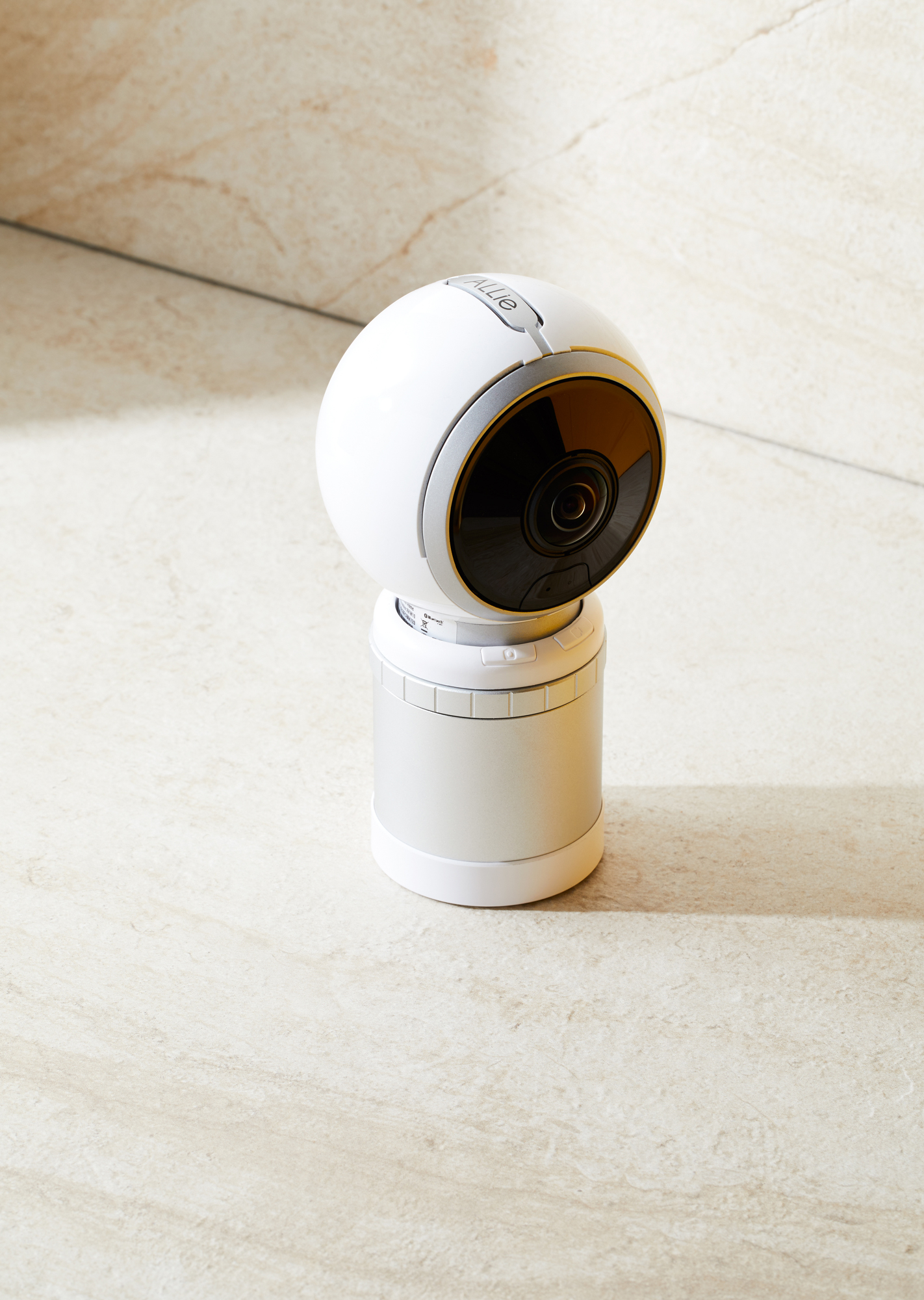 <b>ALLie Camera</b><br> It uses technology originally developed for the surveillance industry and can capture images in low light.