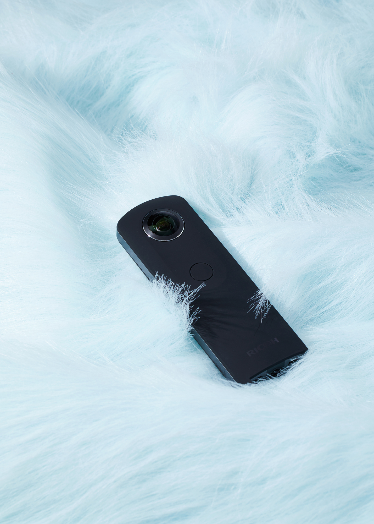 <b>Ricoh Theta S</b><br> Ricoh put the image sensors on the camera's sides instead of behind its lenses, making its thin shape possible.