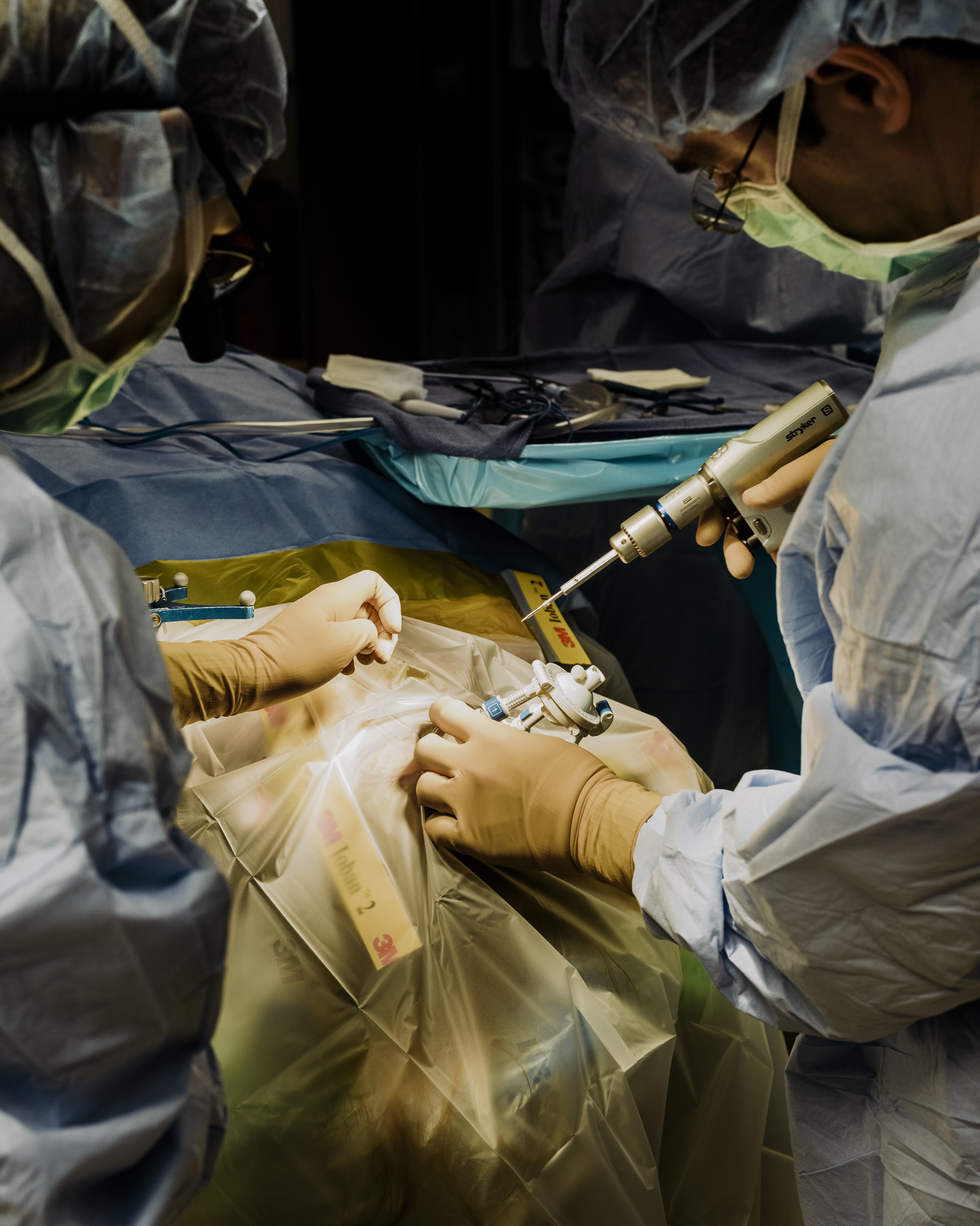 """<b><a href=""""https://www.technologyreview.com/s/609232/the-surgeon-who-wants-to-connect-you-to-the-internet-with-a-brain-implant/"""" target=""""_blank"""">The Surgeon Who Wants to Connect You to the Internet with a Brain Implant</a></b> <br> Photographs by Whitten Sabbatini"""