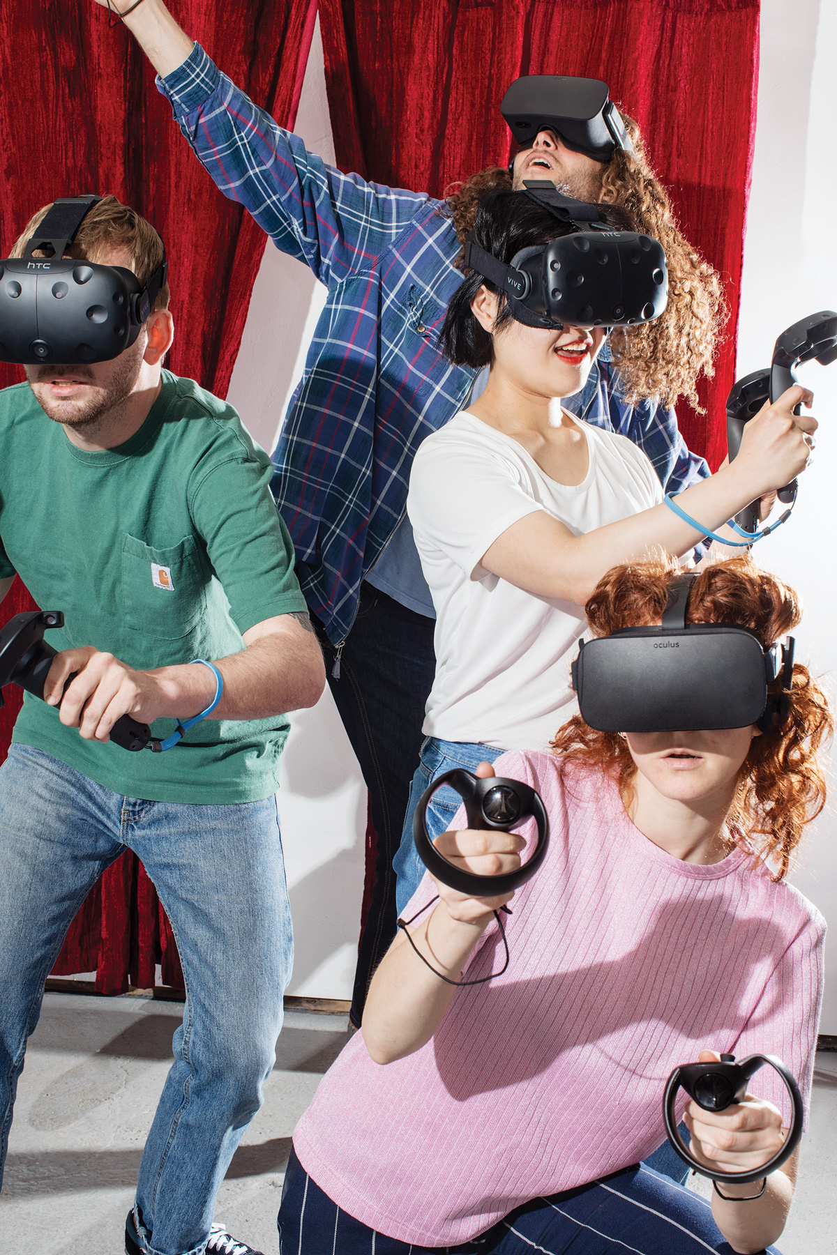 """<b><a href=""""https://www.technologyreview.com/s/607956/virtual-realitys-missing-element-other-people/"""" target=""""_blank"""">Virtual Reality's Missing Element: Other People</a></b> <br> Photographs by David Brandon Geeting"""